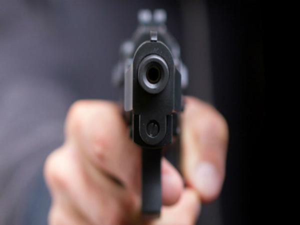 74 वर्षीय मां की सिर में गोली मारकर हत्या !