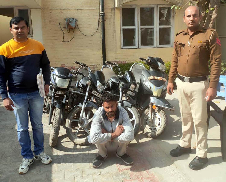 फरीदाबाद : पुलिस ने वाहन चोर को अवैध हथियार सहित किया गिरफ्तार