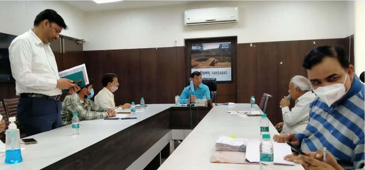 बायो मेडिकल वेस्ट मैनेजमेंट पर अतिरिक्त उपायुक्त सतबीर मान की अध्यक्षता मे एक बैठक का आयोजन