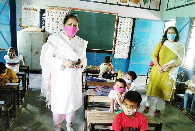 विद्यालयों में लौटी रौनक : खण्ड शिक्षा अधिकारी बलबीर कौर
